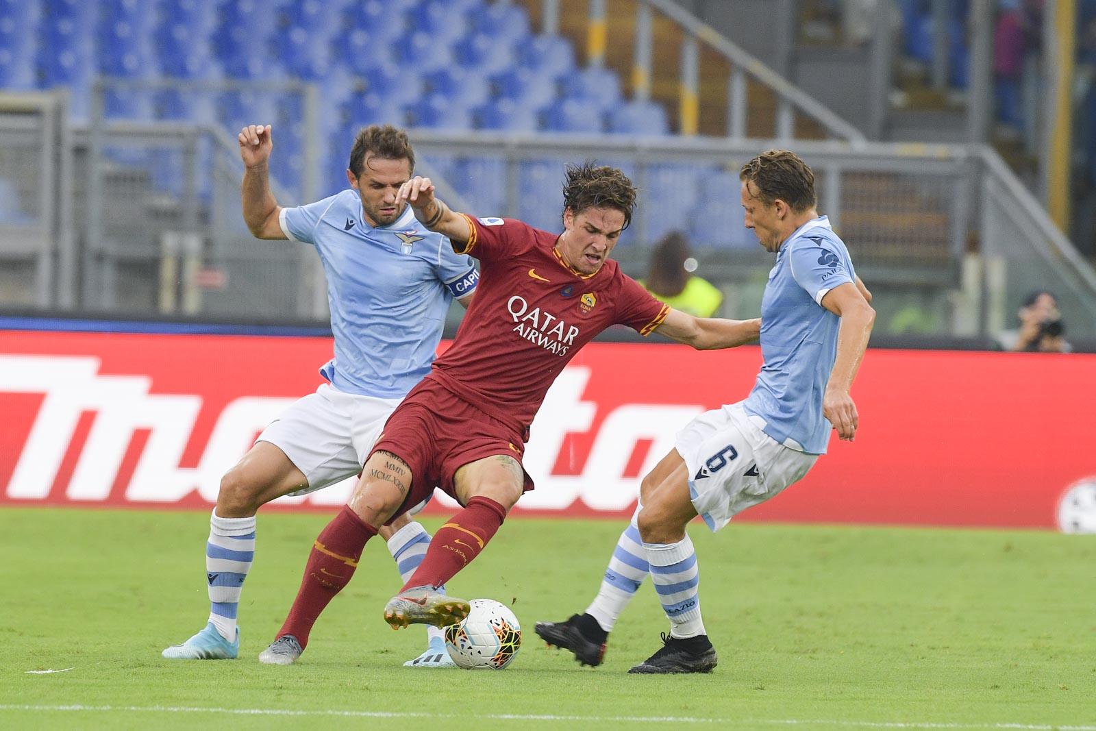 التعادل يحسم ديربي لاتسيو وروما في الدوري الإيطالي