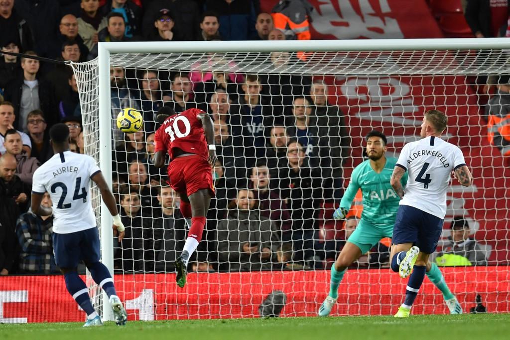 ليفربول يحقق فوزاً مثيراً على توتنهام بالدوري الإنجليزي