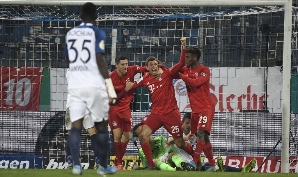 بايرن ميونخ يتأهل بصعوبة لثمن نهائي كأس ألمانيا