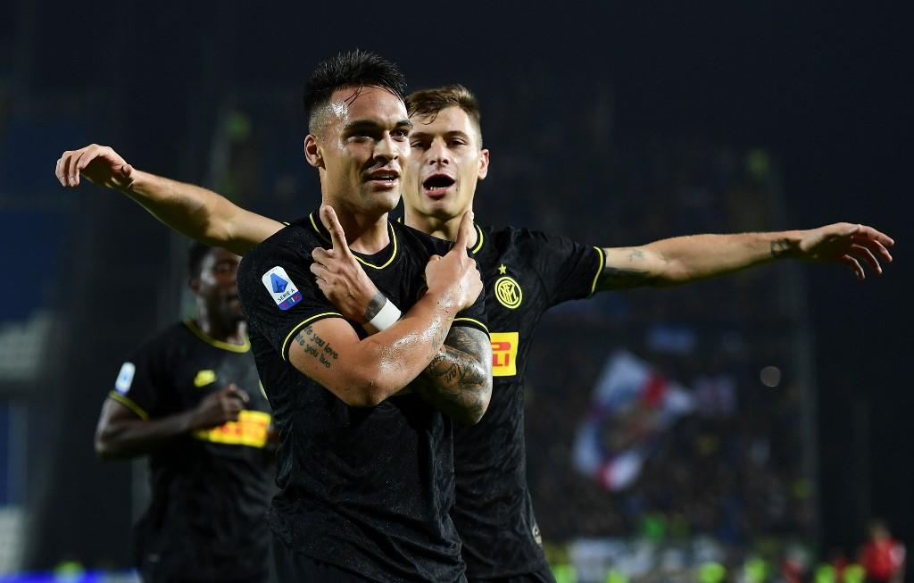 إنتر ميلان يهزم بريشيا ويتصدر الدوري الإيطالي مؤقتاً