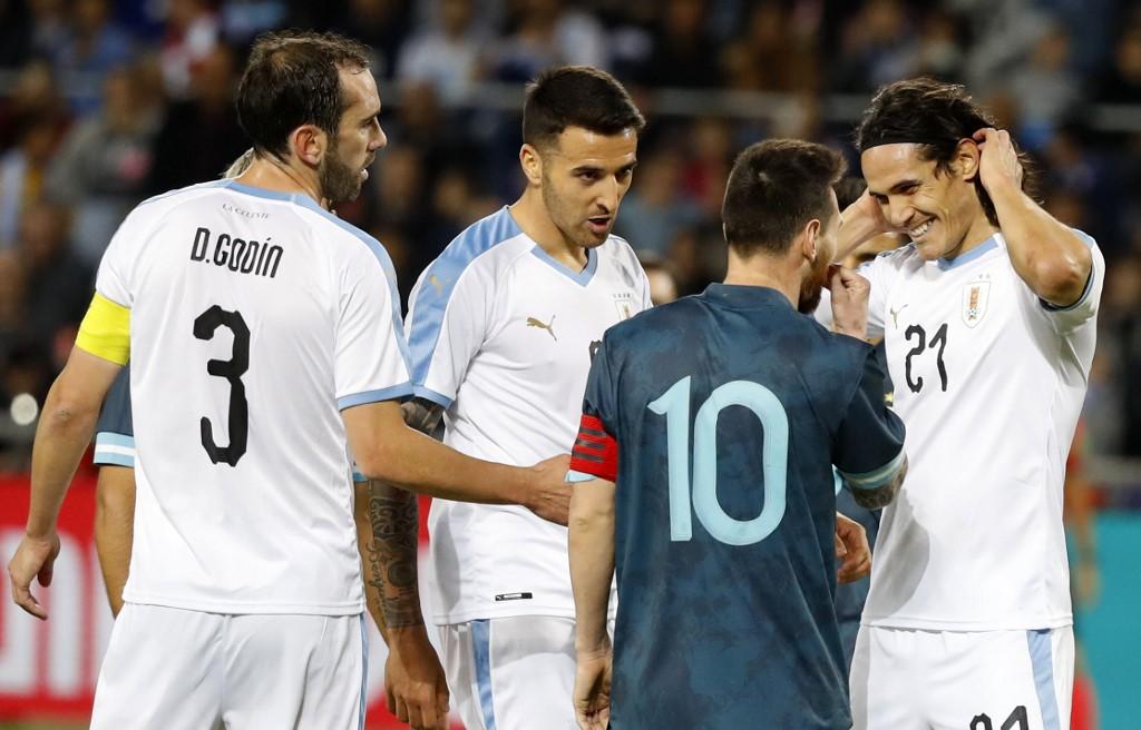 الأرجنتين تتعادل ودياً مع الأوروغواي في مباراة مثيرة