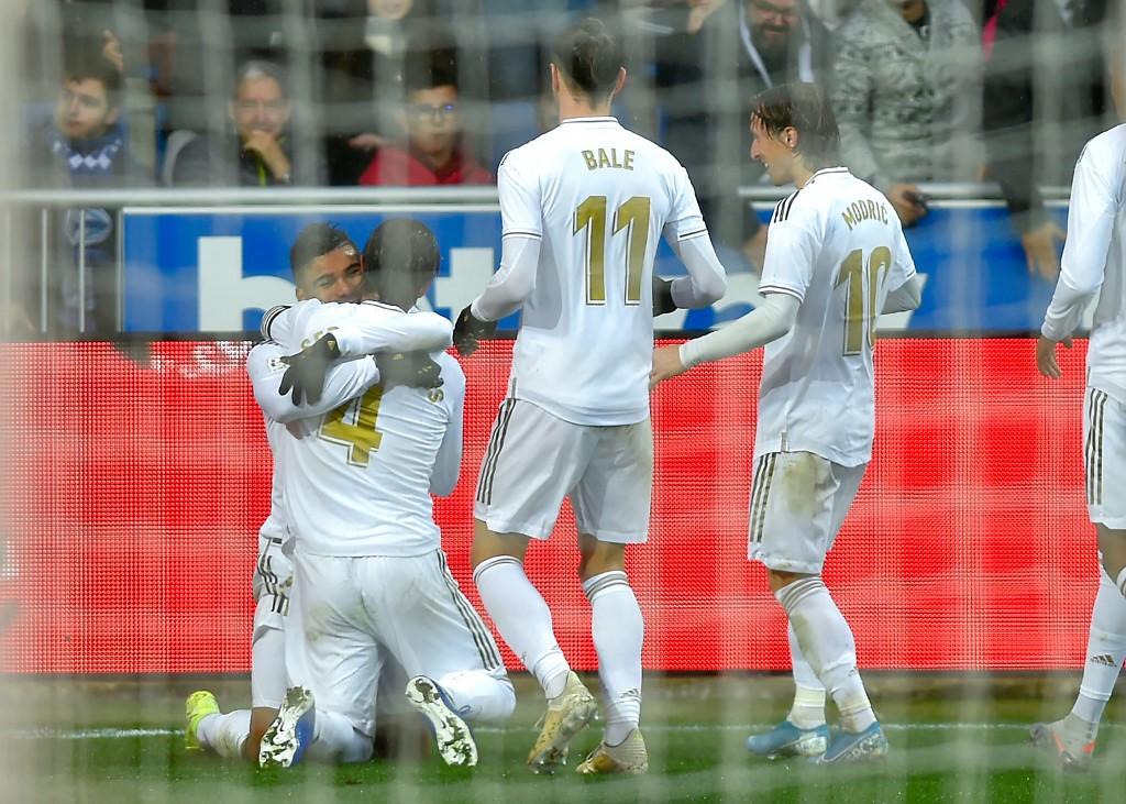 ريال مدريد يواصل الصدارة بفوز صعب على ديبورتيفو ألافيس