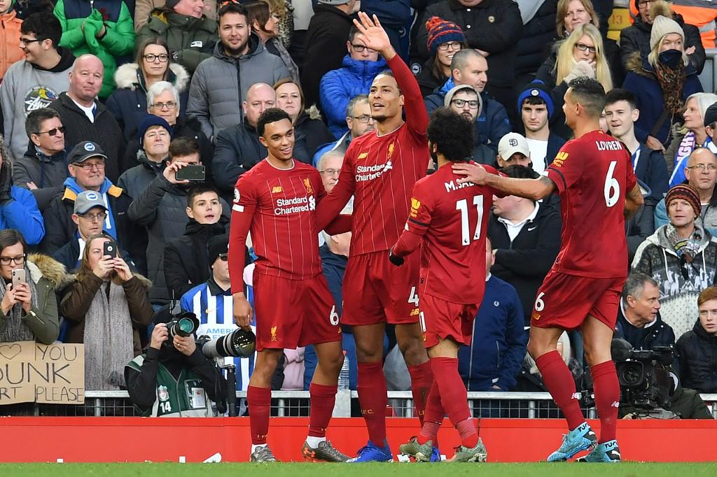 ليفربول يحافظ على الصدارة بفوز صعب على برايتون