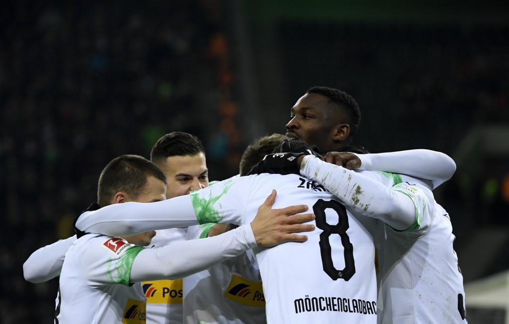 مونشنغلادباخ ينتزع صدارة الدوري الألماني بعد فوز مثير على البايرن