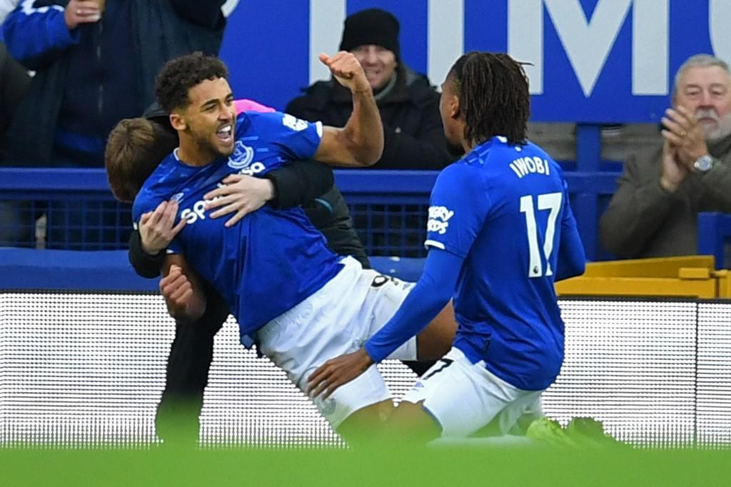 تشيلسي يسقط بالثلاثة أمام إيفرتون في الدوري الإنجليزي