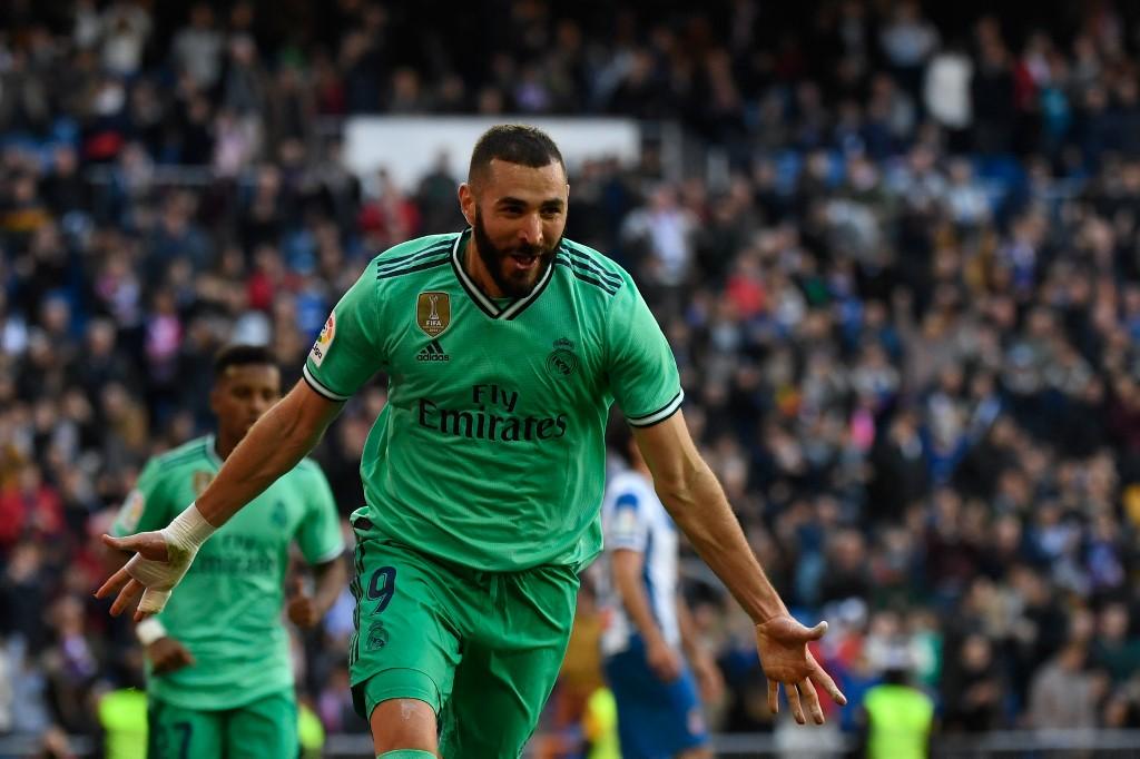 ريال مدريد يجتاز إسبانيول بثنائية في الدوري الإسباني