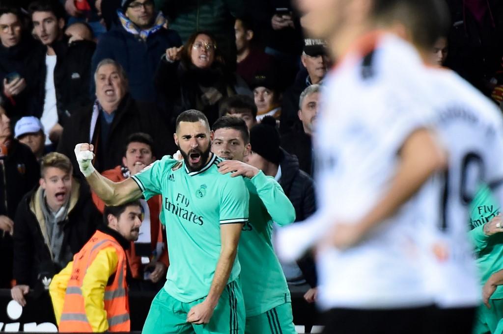 ريال مدريد ينتزع تعادلًا قاتلًا من فالنسيا في الدوري الإسباني