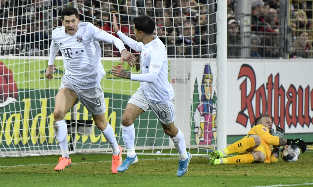 بايرن ميونخ يفوز بثلاثية على فرايبورج في الدوري الألماني