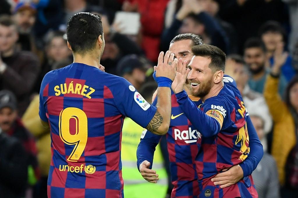 برشلونة يهزم ديبورتيفو الافيس برباعية في الدوري الإسباني
