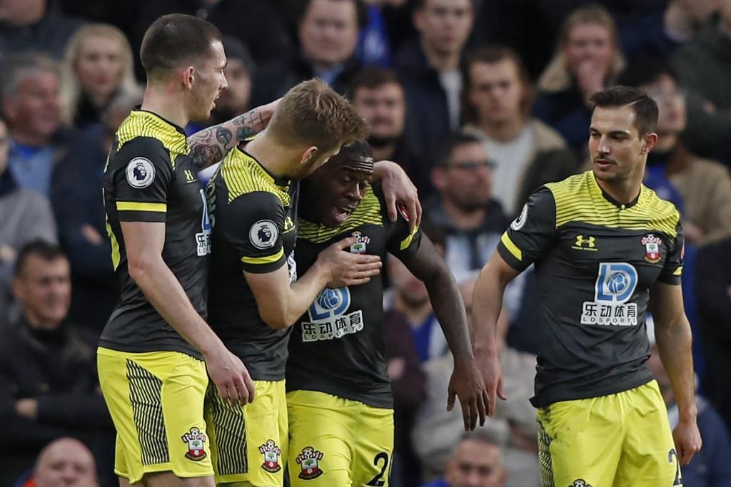 ساوثهامبتون يهزم تشيلسي بثنائية نظيفة في الدوري الإنجليزي