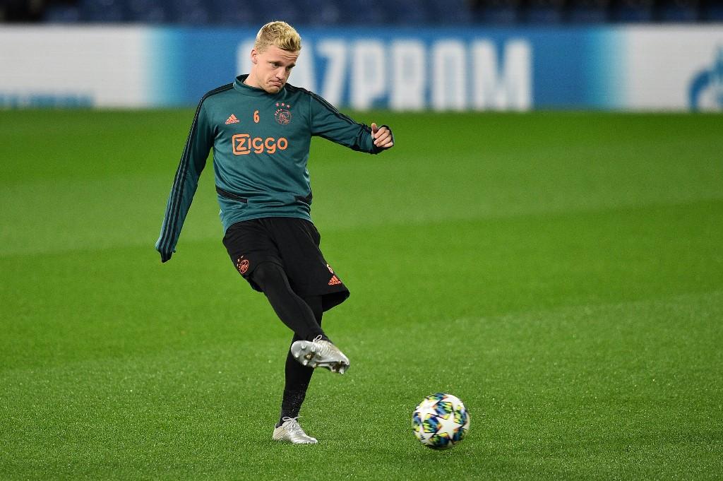 الهولندي فان دي بيك في طريقه إلى الدوري الإنجليزي