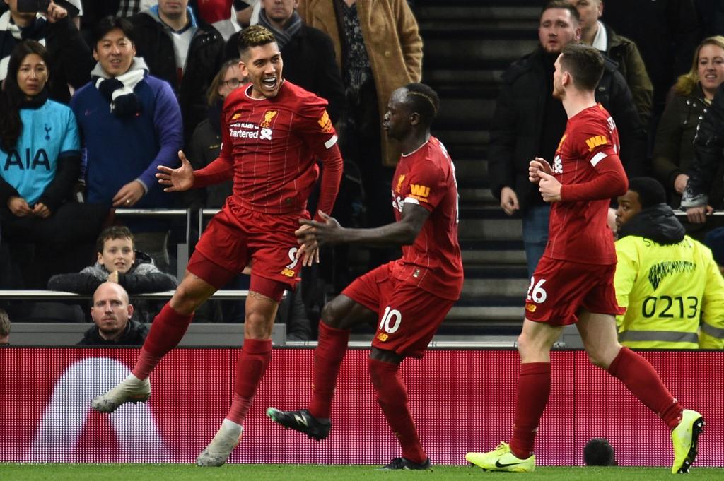 ليفربول يتخطى عقبة توتنهام بصعوبة في الدوري الإنجليزي