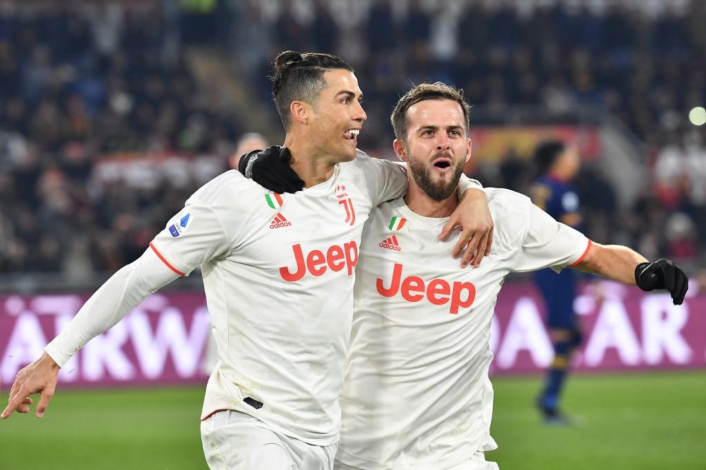 يوفنتوس يهزم روما وينفرد بصدارة الدوري الإيطالي