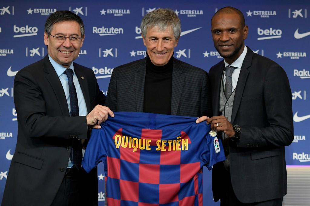 فيديو: نادي برشلونة يقدم مدربه الجديد كيكي سيتين لوسائل الإعلام